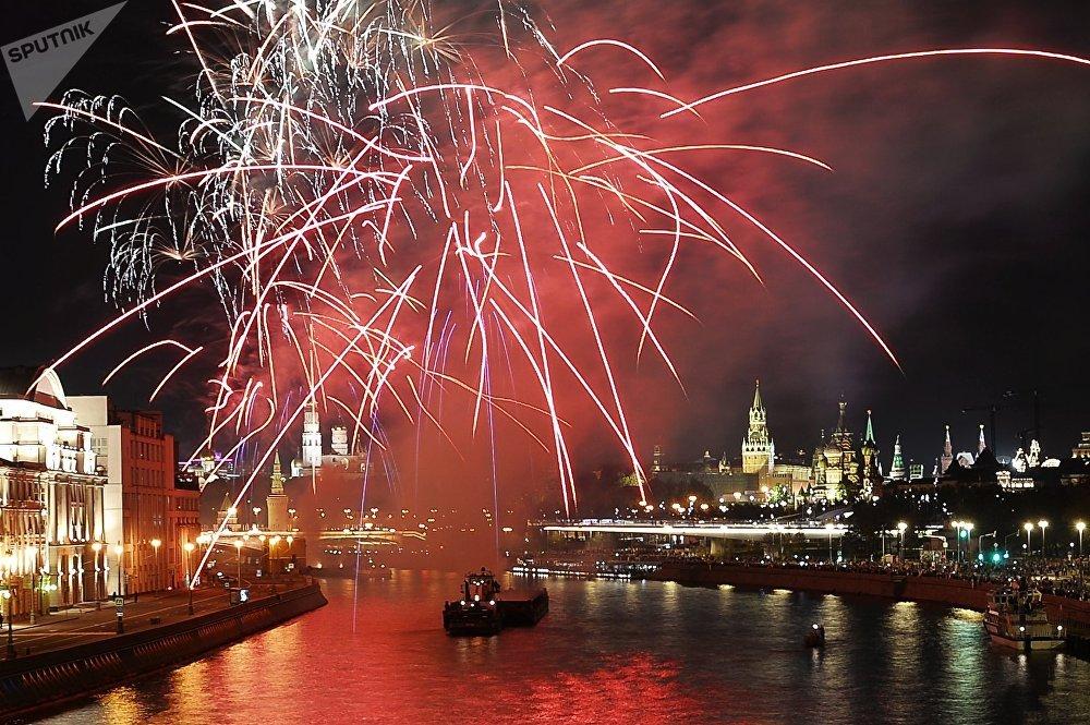 Салют в честь Дня города Москвы