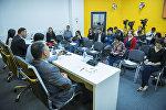Пресс-конференция Как решится проблема переполненности в школах Бишкека — ответ мэрии