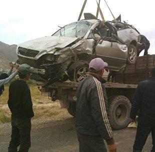 Lexus RX-300, за рулем которого был 17-летний парень перевернулся в Ошской области