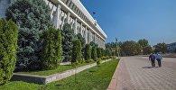 Бишкектеги Жогорку Кенештин имараты. Архив