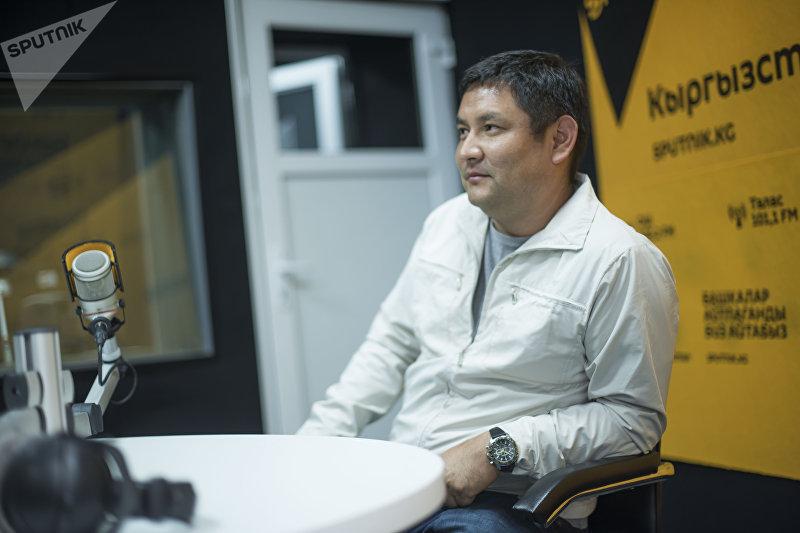 Разводчик пятнистых лошадей породы Аппалуза Мунарбек Кулданбаев во время интервью Sputnik Кыргызстан