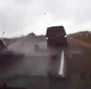 Командующий ВДВ России попал в аварию — видео с регистратора