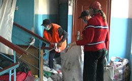 Ужасающее зрелище — бишкекчанка забила всю квартиру мусором