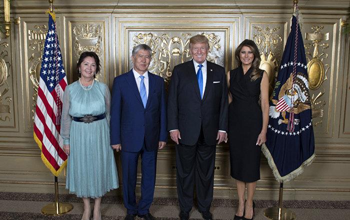 Алмазбек Атамбаев жана Дональд Трамп жубайлары менен
