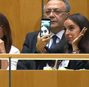 Дочь Ильхама Алиева делала селфи, пока отец выступал на Генассамблее ООН