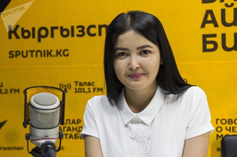 Занявшая первое место в конкурсе Самая красивая учительница — 2017 Альбина Арстанбек кызы