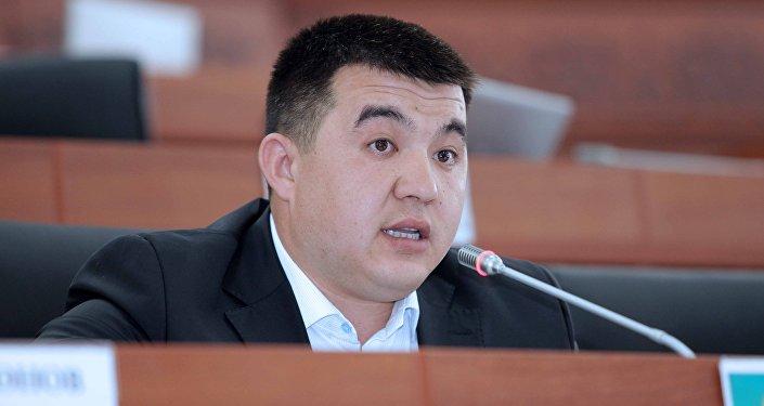 Депутат Урмат Самаевдин архивдик сүрөтү