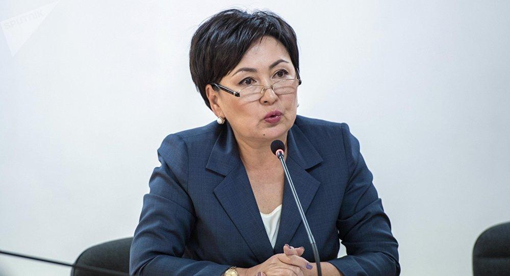 Билим берүү жана илим министри Гүлмира Кудайбердиева. Архивдик сүрөт