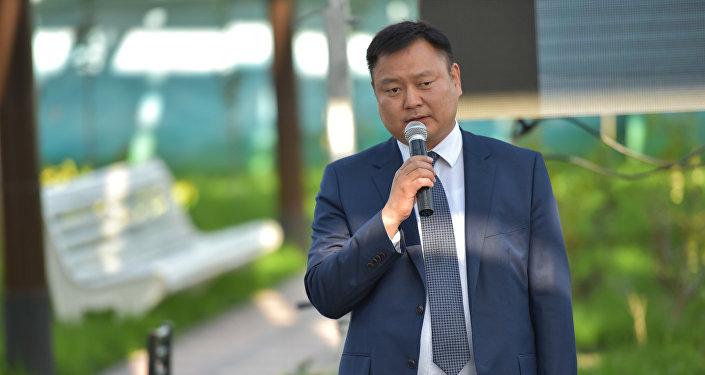 Архивное фото председателя Фонда по управлению госимуществом Дуйшенбека Зилалиева