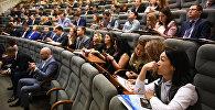 На форум прибыли более 150 участников из разных стран