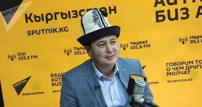Манасчы Замирбек Баялиев