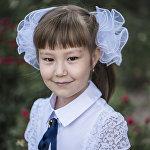 Айдана Омурова, 8 жашта Бишкек шаарында туулган. Түбү — Сокулук районунун Асылбаш айылы. Борбор калаадагы № 64 мектептин 2-классынын окуучусу