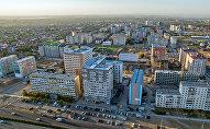 Вид на многоэтажные дома в микрорайоне Джал в Бишкеке. Архивное фото