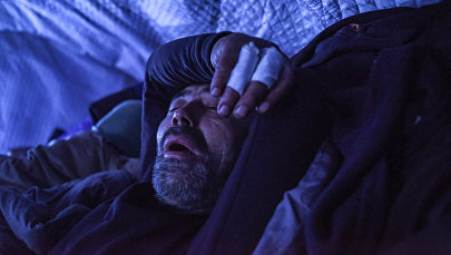 Спящий мужчина. Архивное фото