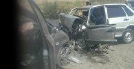На трассе Бишкек — Ош произошло лобовое столкновение двух автомобилей