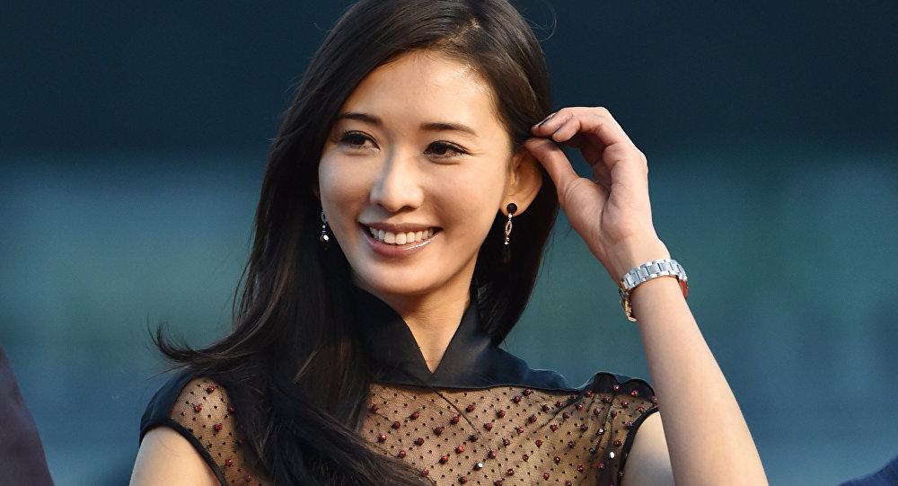 Известная тайваньская актриса и модель Линь Чилин