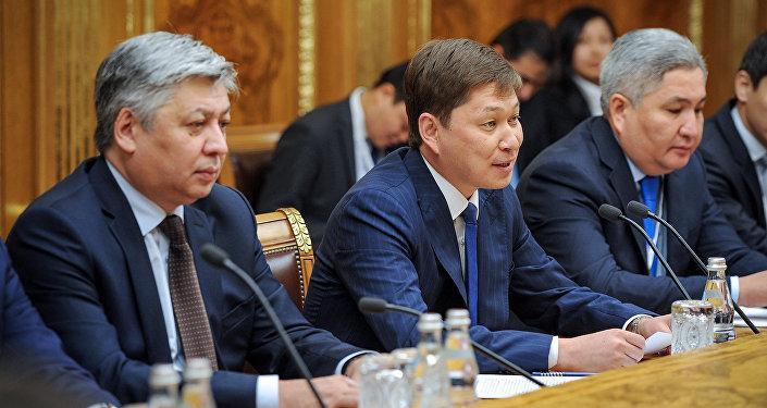 Киргизский премьер впервый раз улетел в РФ