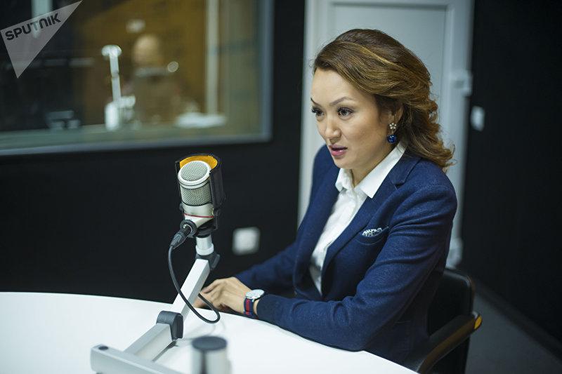 Владелица ресторанов, президент Ассоциации женского футбола КР Бермет Тологонова во время интервью Sputnik Кыргызстан