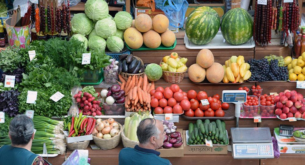 Фрукты и овощи. Архивное фото