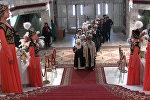 Необычные посетители пришли в загс Бишкека — видео