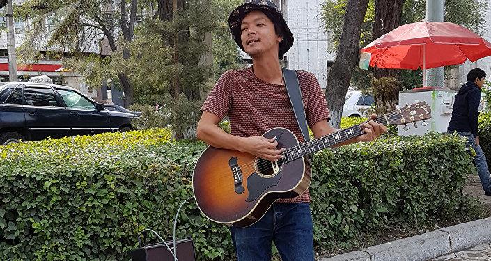 Путешественник из Японии Джунджи Накажима в Бишкеке