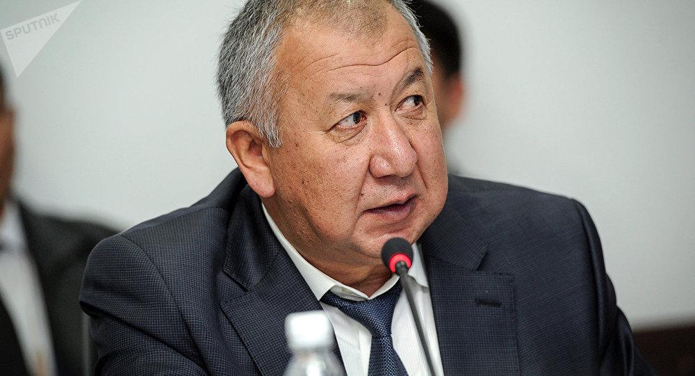 Өкмөттүн мурунку башчысы Кубатбек Боронов. Архивдик сүрөт