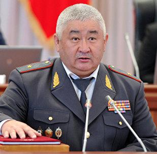 ИИмдин мурдагы башчысы, азыркы эл өкүлү Зарылбек Рысалиев. Архивдик сүрөт