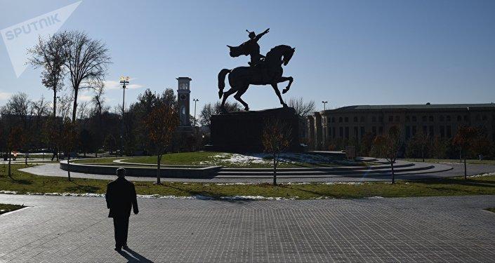 Памятник Амиру Темуру в Ташкенте. Архивное фото
