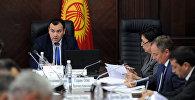 Архивное фото вице-премьер-министра Кыргызстана Темира Джумакадырова во время рабочего совещания