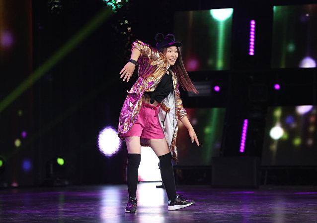 Архивное фото участницы международного шоу Ты супер! Танцы из Кыргызстана Нуризы Кочкомбай кызы