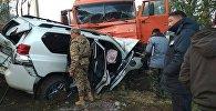 Вице-премьер Темир Жумакадыровдун жол кырсыгынан талкаланган унаасы