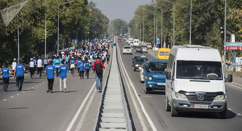 Бишкекте марафон. Архивдик сүрөт