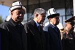 Президент Кыргызстана Алмазбек Атамбаев со слезами на глазах говорил о погибшем вице-премьере Темире Джумакадырове