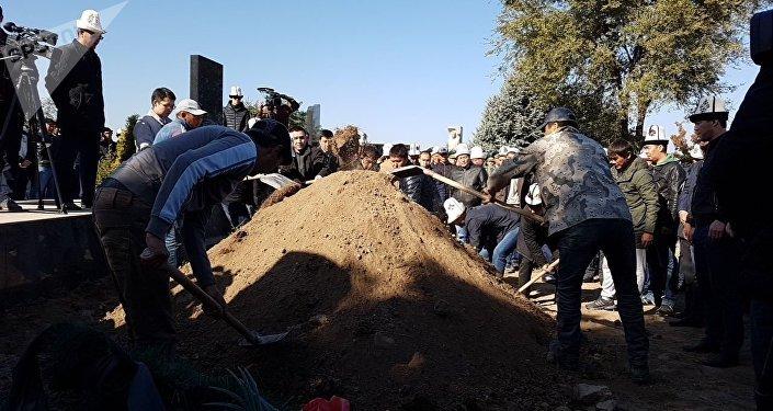 Похороны по вице-премьеру Темиру Джумакадырову