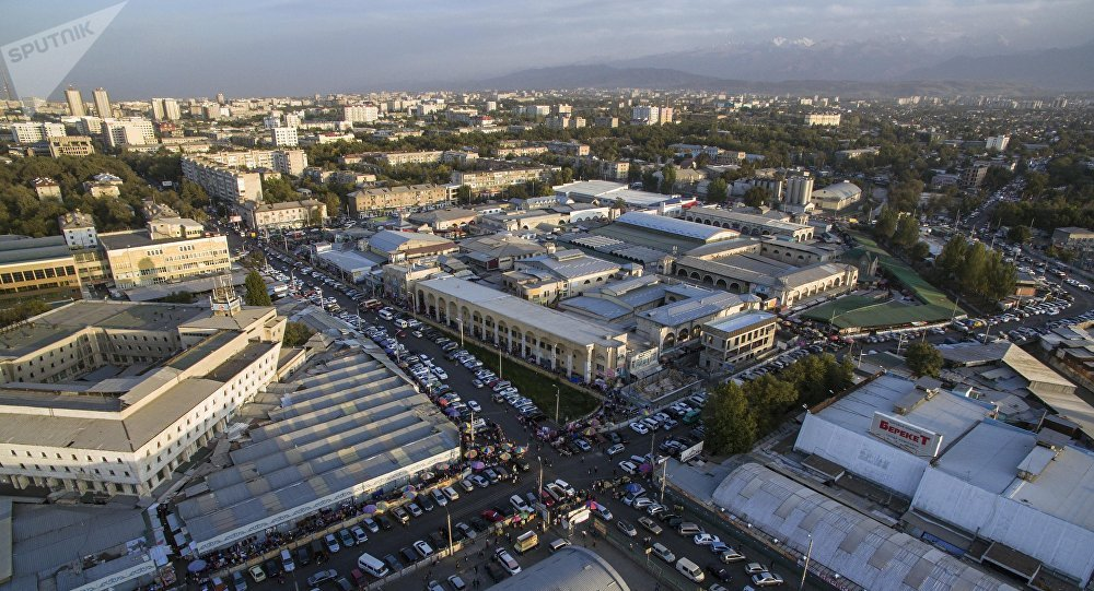 Ошский рынок в Бишкеке. Архивное фото