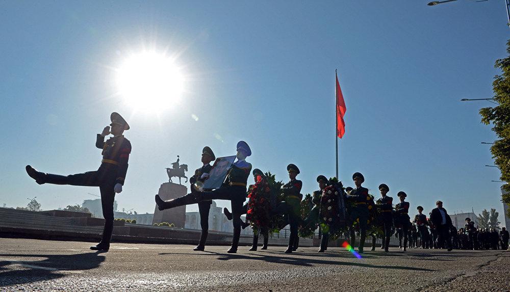 Темир Жумакадыров менен коштошуу Бишкекте өттү