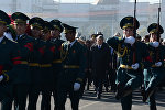 Президент Алмазбек Атамбаевдин Темир Жумакадыровдун жаназасында