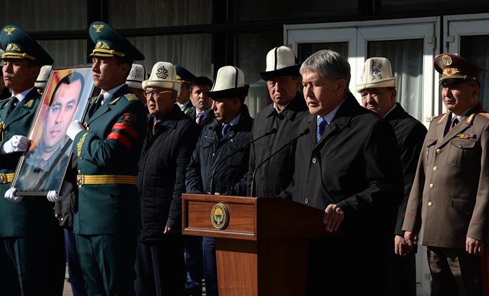 Атамбаев Жумакадыров менен такай кеңешип турганын жана аны келечекте өкмөт башчысы катары көргөнүн айтты