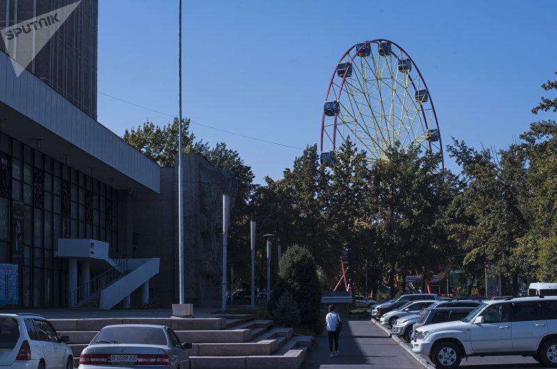 Обновленное колесо обозрения в парке имени И. Панфилова в центре Бишкека