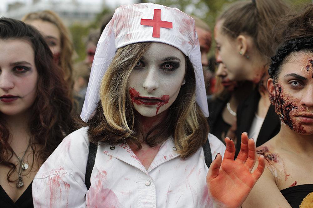 Традиционное мероприятие зомби-моб в Париже