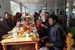 Афганистандын Улуу жана Кичи Памирин байырлаган мекендештердин ичинен 33 киши Ата Журтуна көчүрүлүп, бүгүн Кыргызстандын босогосун аттады