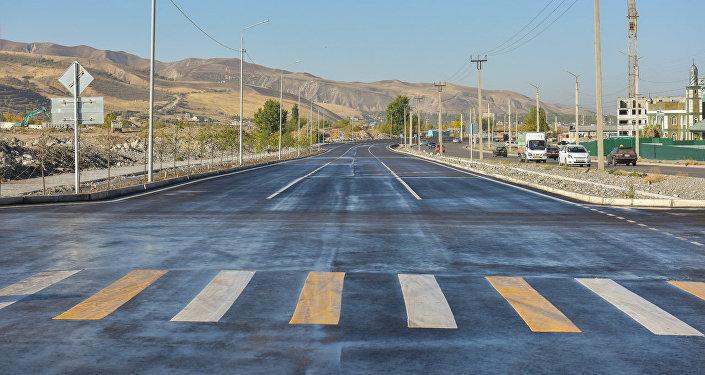 Транспортную инфраструктуру улучшили в рамках договора между Управлением капитального строительства мэрии Бишкека и китайской Корпорацией по строительству дорог и мостов в Кыргызстане.
