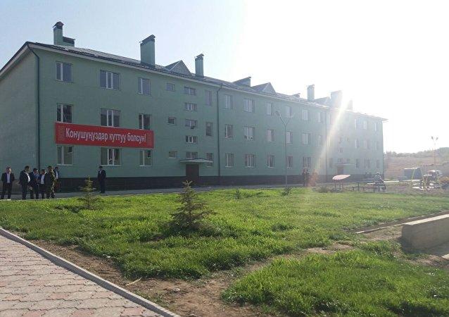 Многоэтажный жилой дом построенный для сотрудников МВД в Баткенской области