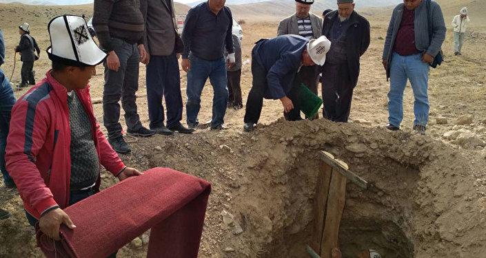Захоронение мумий. Архивное фото
