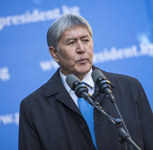Президент Алмазбек Атамбаев журналисттер менен болгон жолугушуусу учурунда