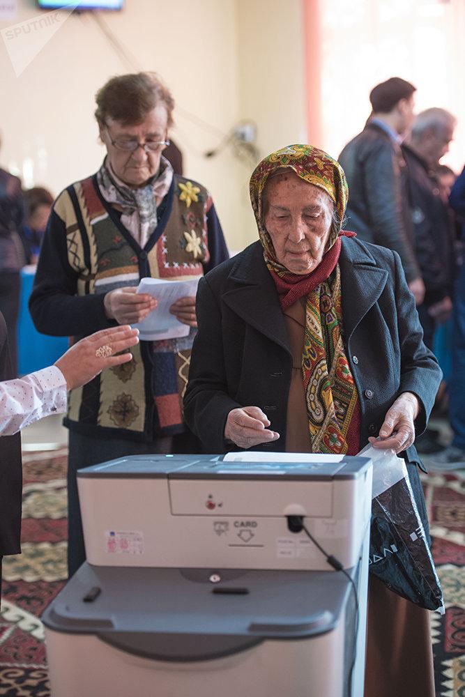 Замыкает тройку лидеров Адахан Мадумаров — 6,48 процента