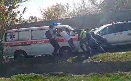 Скорая в Бишкеке попала в ДТП — видео очевидца после аварии