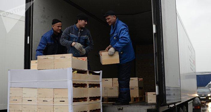 Вывоз товара с овощебазы Новые Черемушки в Бирюлево