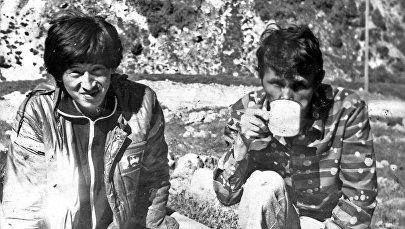 Комсомол Сооронбай Жээнбеков. Архивное фото из семейного альбома