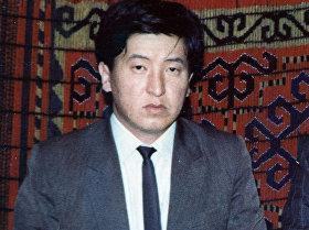 Архивные фотографии новоизбранного президента КР Сооронбая Жээнбекова